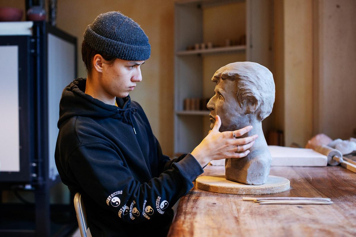 Skulptur portrett - VG Steinerskole på Hedemarken